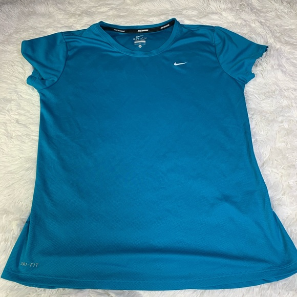 Nike Tops - 🌹 2 for $20 Loose fit Nike top